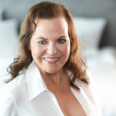 Actrice Escort Hamburg: Bettina