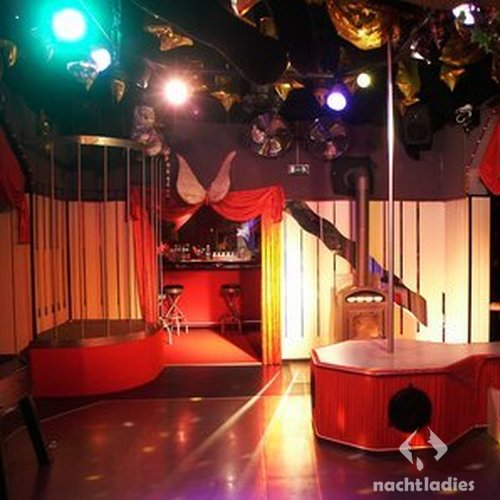 Beverly swinger club