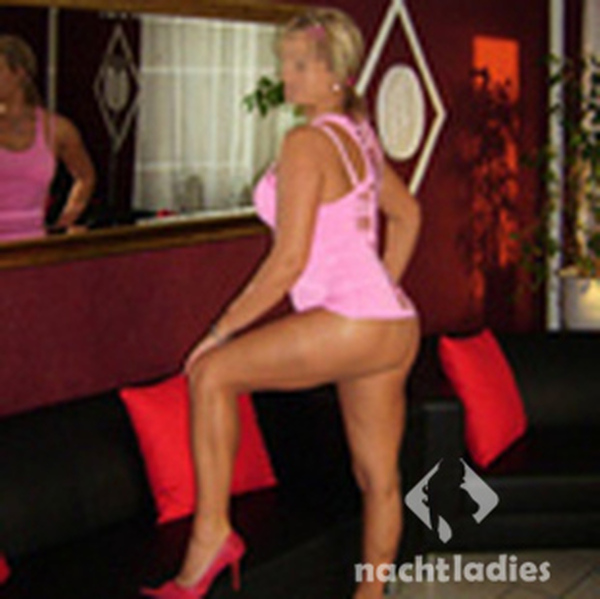 Adult dating free trial