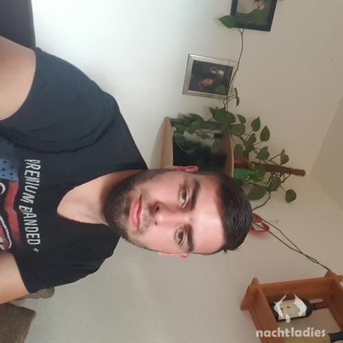 callboy düsseldorf whatsapp sex gruppe