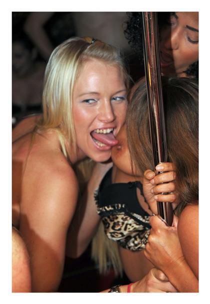 swingerclub austria frauen beim wichsen