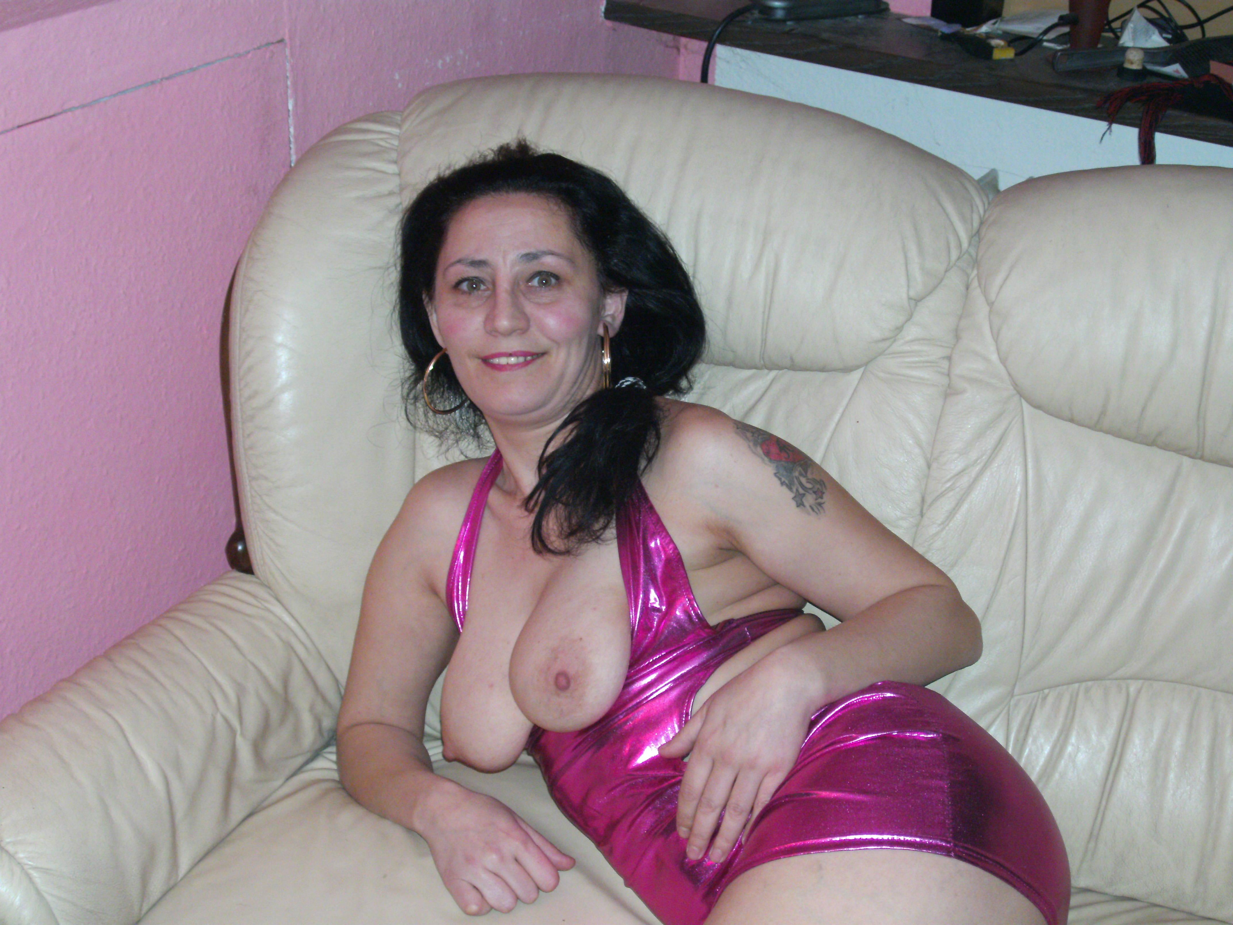 Girl sucks daddys cock