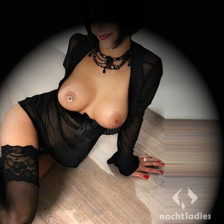 glory hole hannover erotische massage bremerhaven