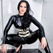 Studio - Miss Donna Carrera: Miss Lana Poison