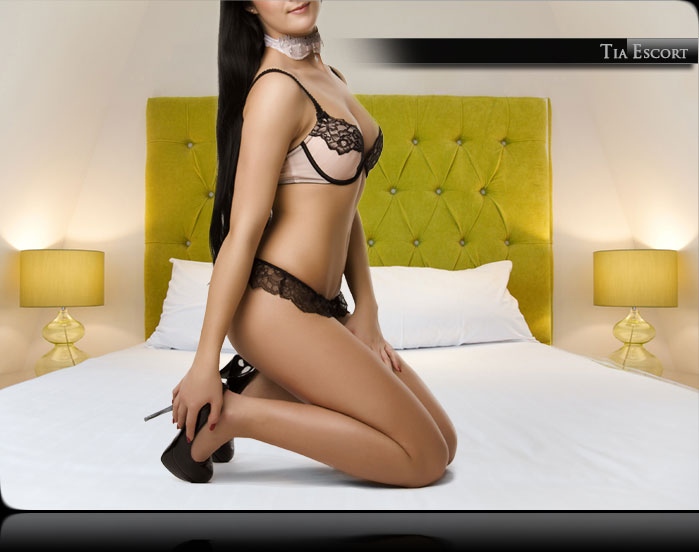 naked escort service cologne
